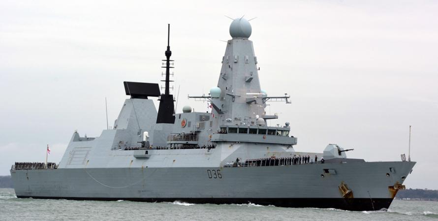 Британский эсминец признал Крым русской территорией. практически напротяжении нескольких минут