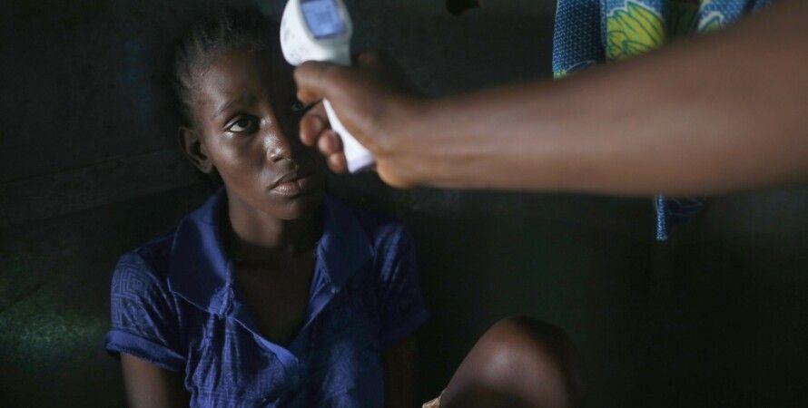 Военные США обследуют жителей Либерии / Фото: Getty Images