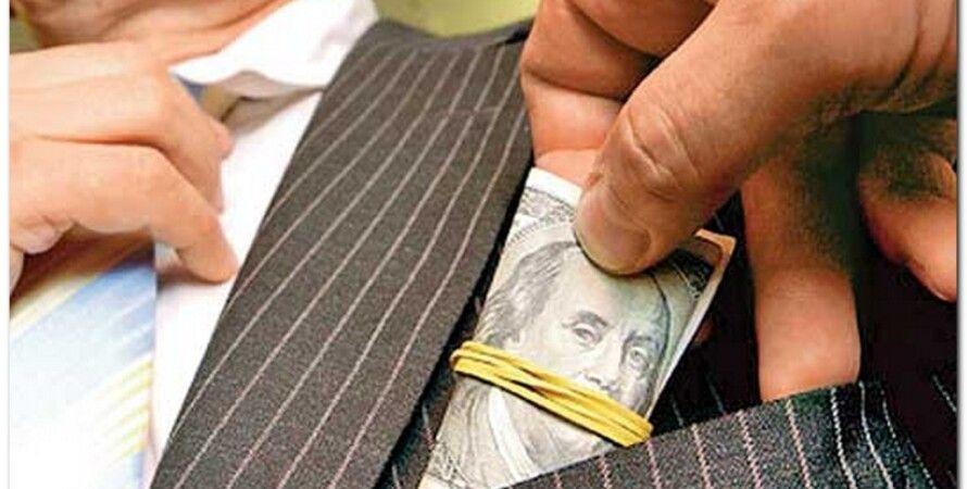 Взятка / Фото: fainaidea.com