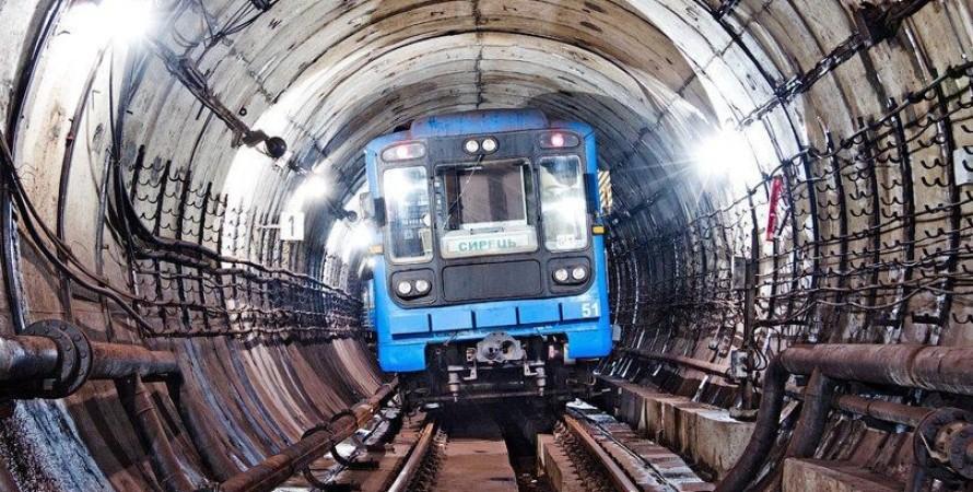 метро, київ, потяг, мобільний зв'язок, фото, 4g
