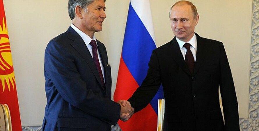 Атамбаев и Путин / Фото пресс-службы Кремля