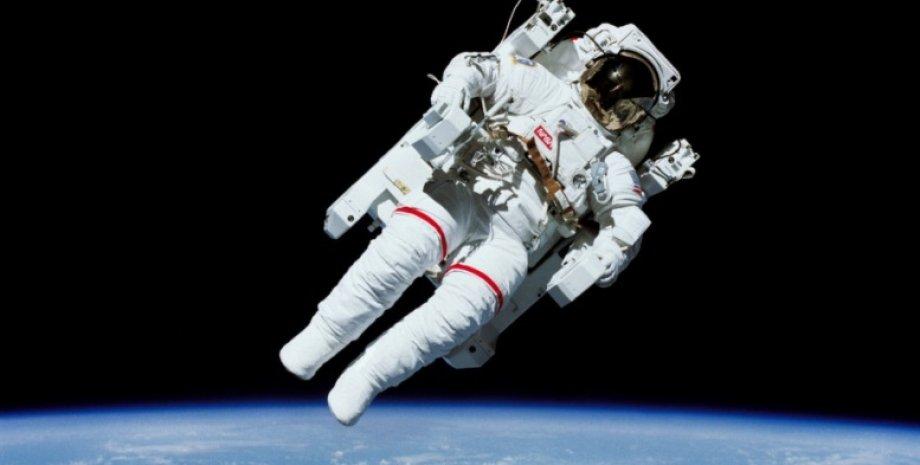 скафандр, NASA, дослідження космосу