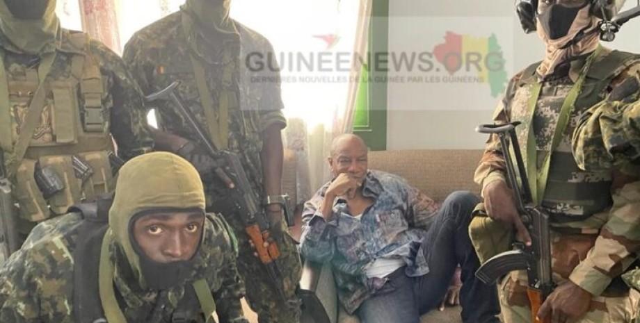 гвинея, президент, задержание, фото