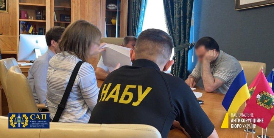 Голова Харківської облради, детективи НАБУ, затримання Товмасян