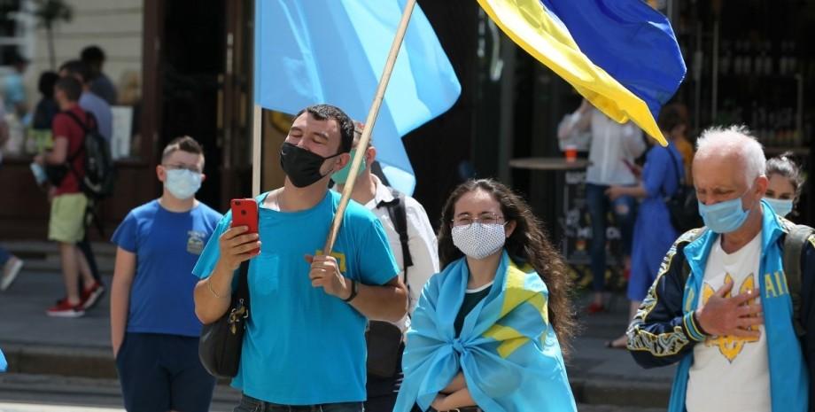 Акция крымских татар, флаг Украины, флаг крымскотатарского народа