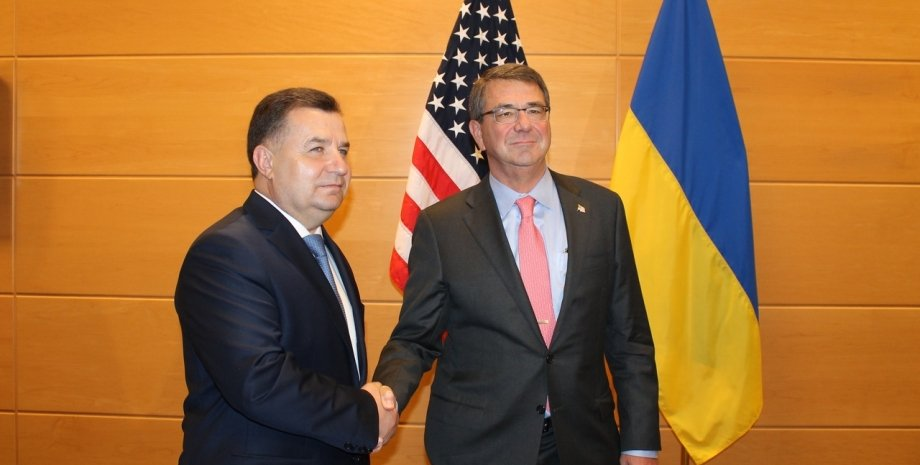 Министры обороны Украины и США Степан Полторак и Эштон Картер / Фото пресс-службы МОУ