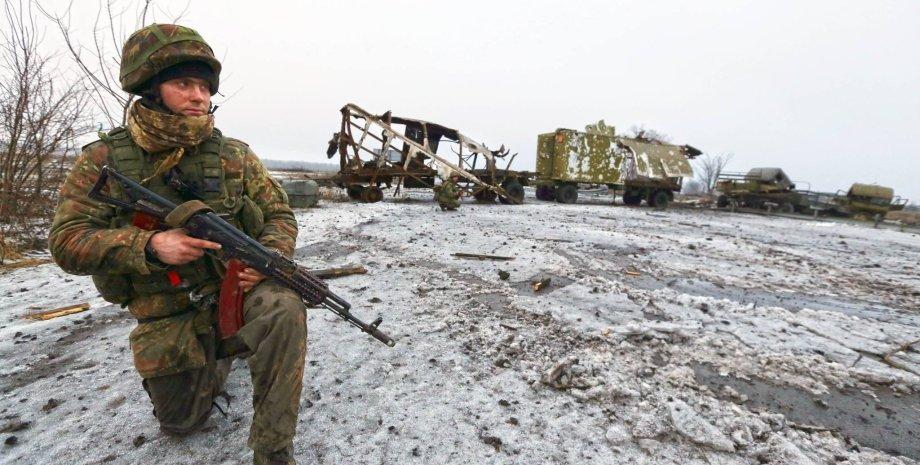 Воин АТО в Донбассе / Фото: Facebook.com/sergei.loiko