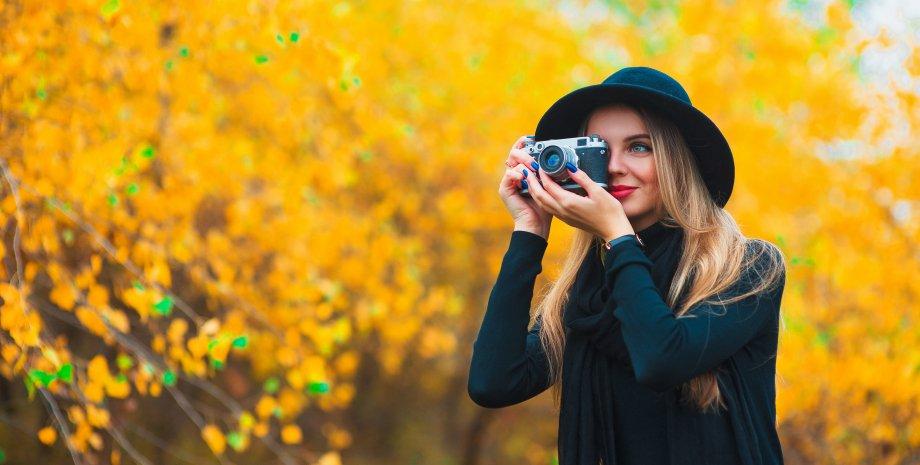 девушка в модной шляпе 2021 фото. Модные шляпы 2021. Тренды модных шляп фото