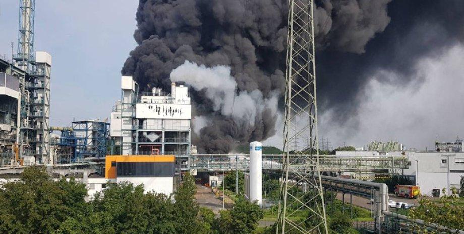 Bayer, завод, взрыв на заводе, германия