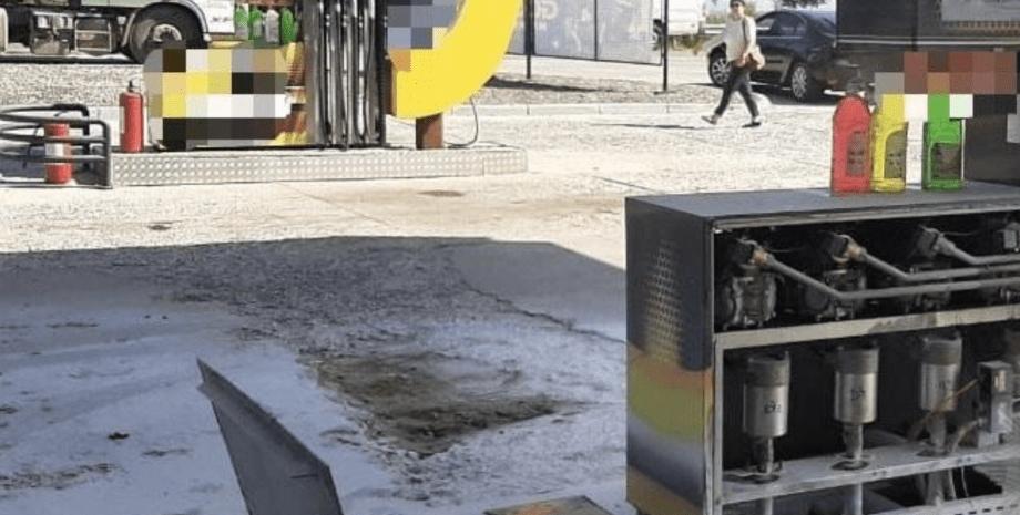 Заправка в Хусте после взрыва
