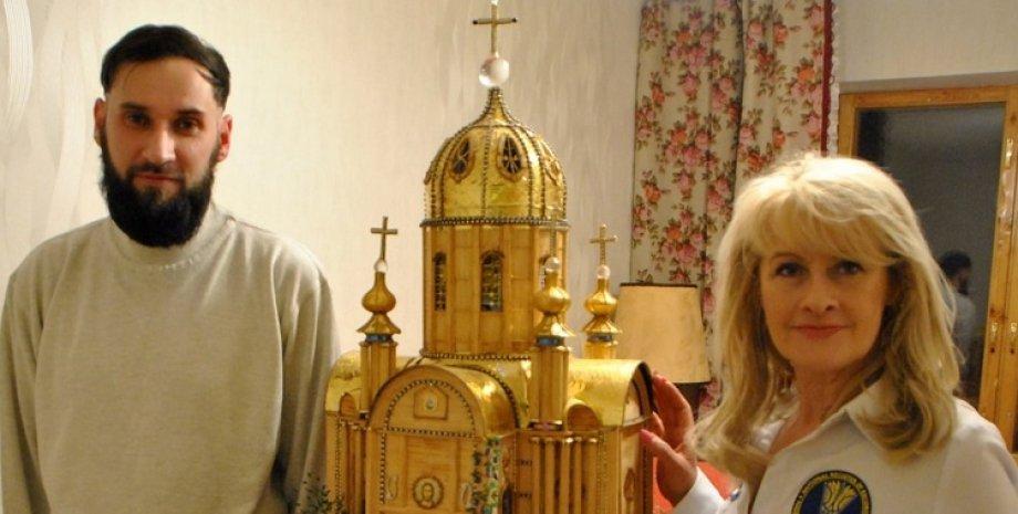 макет храму, храм, Харків, бісер, сірники, Володимир Гуськов