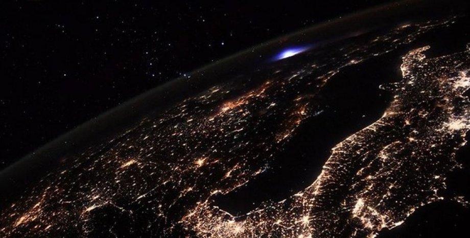 Блискавка, атмосфера Землі, іоносферних блискавка, МКС