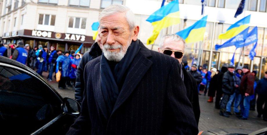 Вахтанг Кикабидзе в Киеве в 2013 году. Фото: ТАСС/SCANPIX