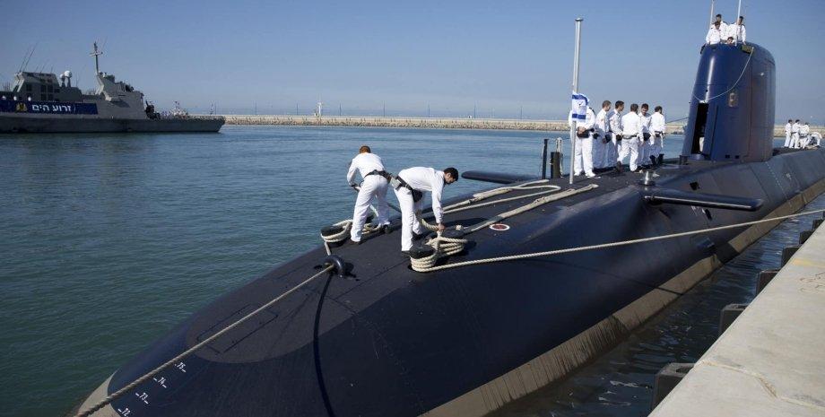 підводні човни Dolphin, моряки на палубі