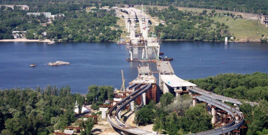 Недостоенный мост в Запорожье / Фото: profidom.com.ua