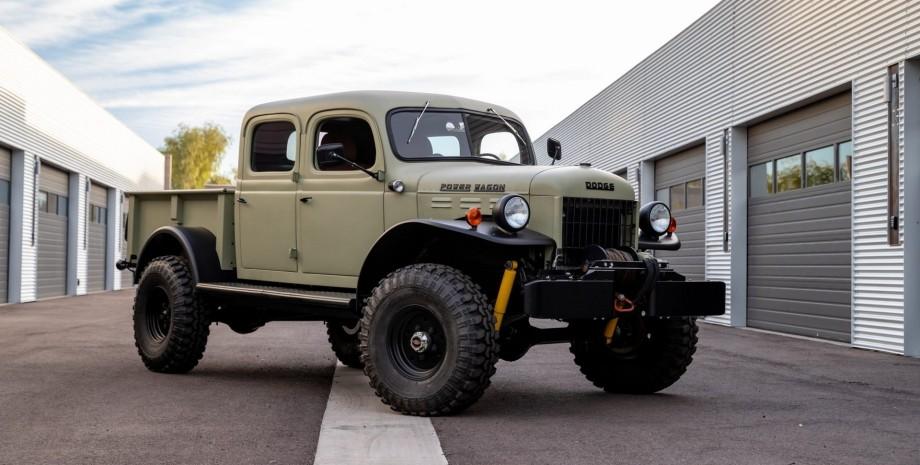 Пікап Ram 1500 TRX трансформували в класичний позашляховик.