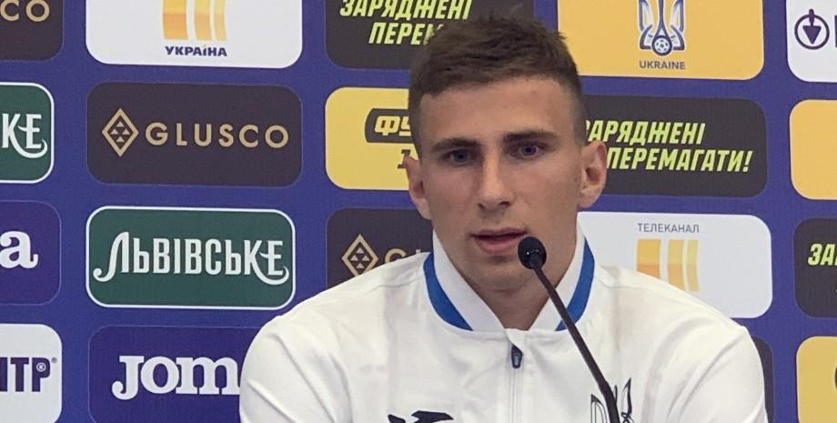 Илья Забарный