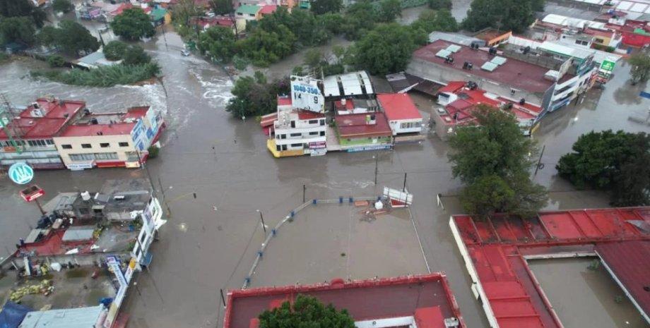 В Мексике 17 человек погибли после сильного наводнения