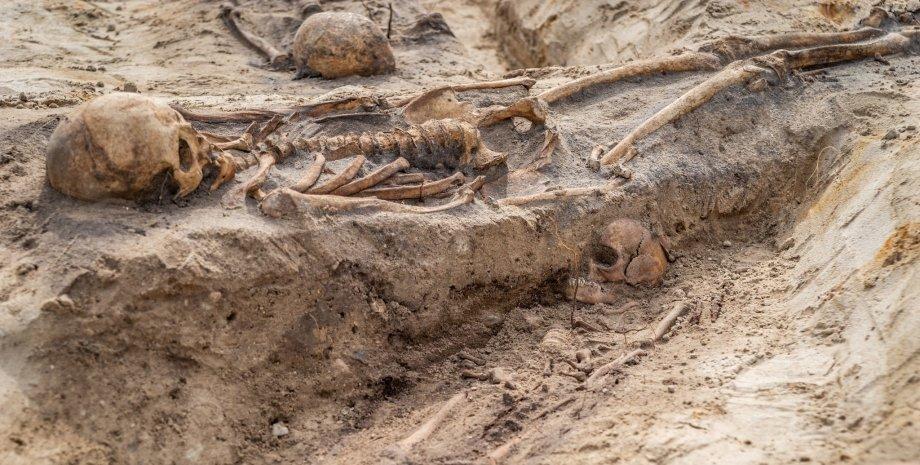 Чумне поховання, могила