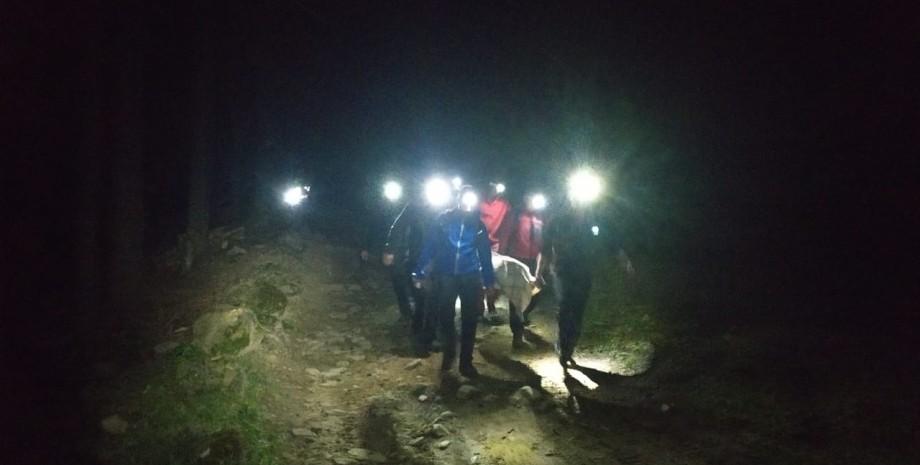 спасатели, горы, ночь, карпаты, фото