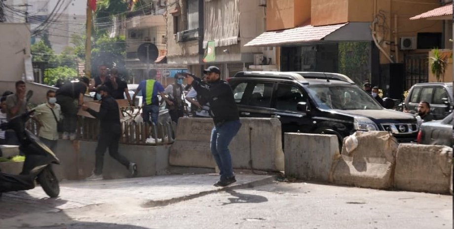 человек с автоматом,  Ливан, Бейрут сегодня