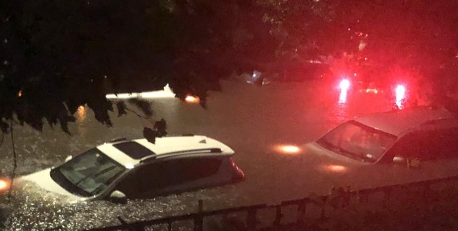 повінь, затоплення машини, сша