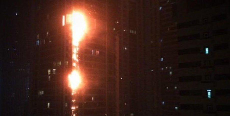 """Пожар в """"Дубайском факеле"""" / Фото: ROLA"""