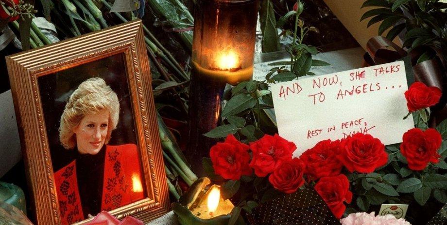 принцесса Диана, память, фото, свечи, цветы