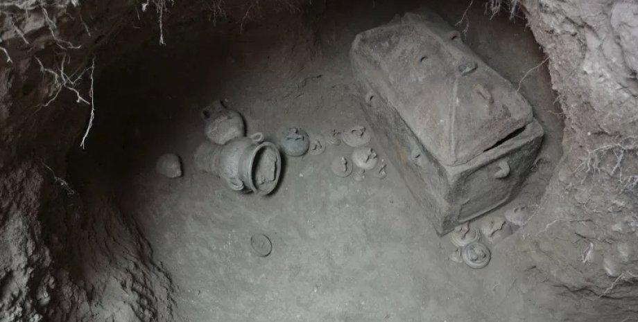 Один из гробов. Фото: Lassithi Ephorate of Antiquities