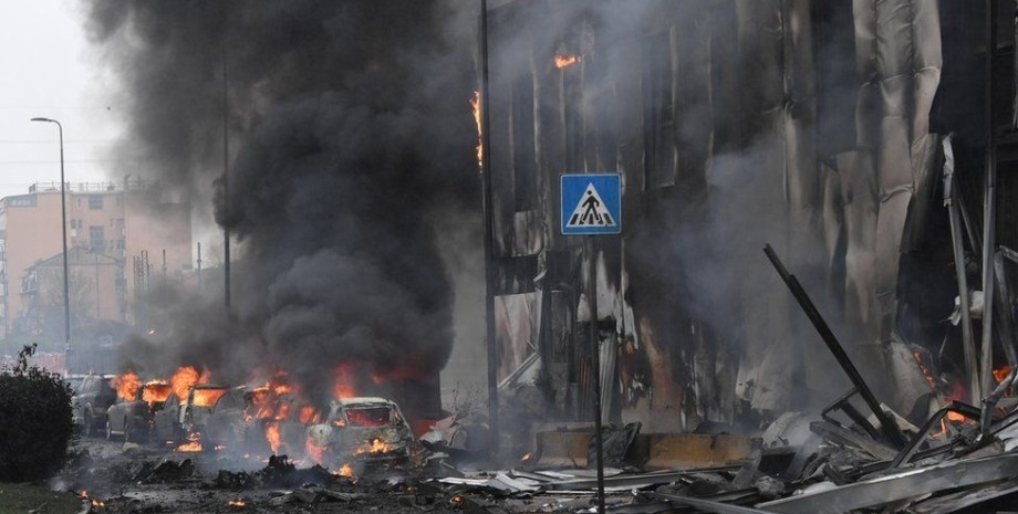 милан, место падения самолета, фото