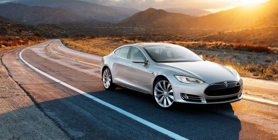 Tesla Model S / Фото: Tesla