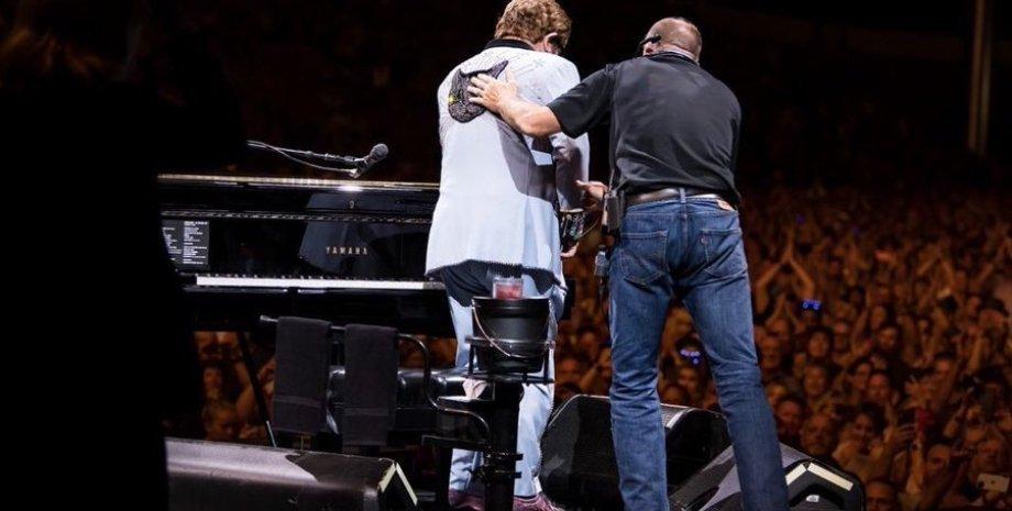Фото: Elton John Twitter