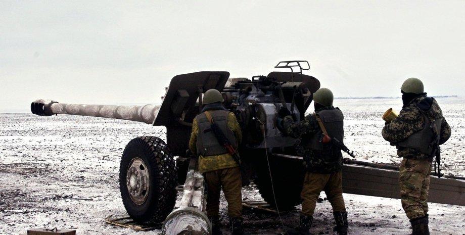 Украинские артиллеристыв Мариуполе / Фото: ИАЦ СНБО