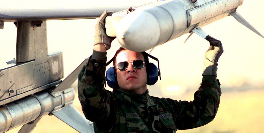 проверка ракеты на ее подвеске, ракеты воздух-воздух