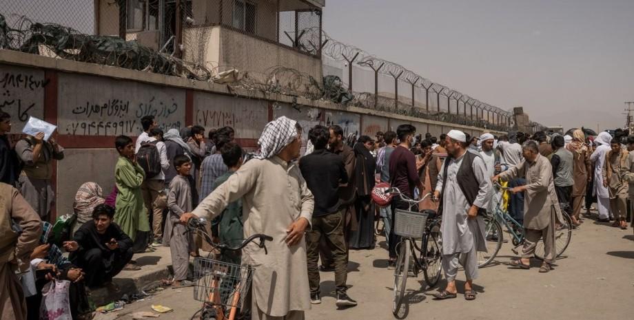 Кабул, аэропорт, афганцы,