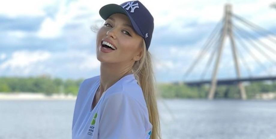 Оля Полякова, певица