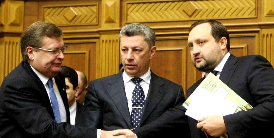 Константин Грищенко, Юрий Бойков и Сергей Арбузов в парламенте / Фото: rada.gov.ua