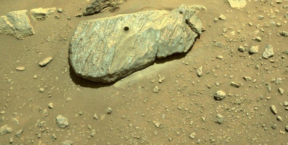 Марс, марсохід Perseverance, зразок марсіанської породи