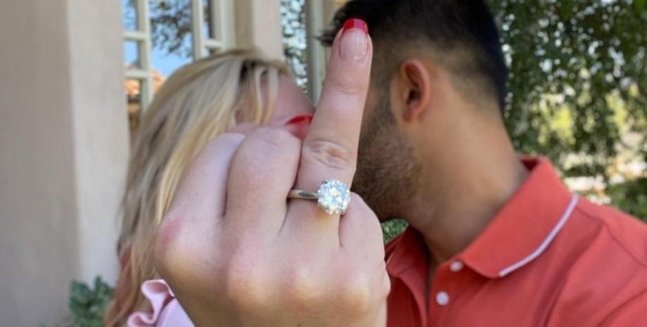 Сем Асгарі, Брітні Спірс, заручини, кільце з діамантом