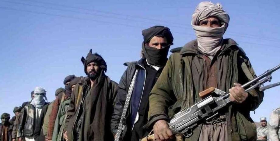"Боевики ""Талибана"" с оружием"
