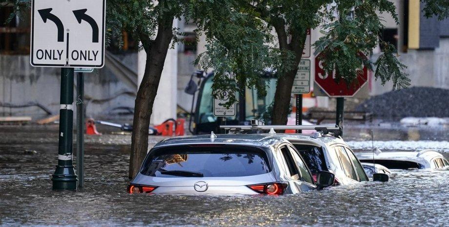 """последствия урагана """"Ида"""", утонувшие автомобили, авто под водой"""