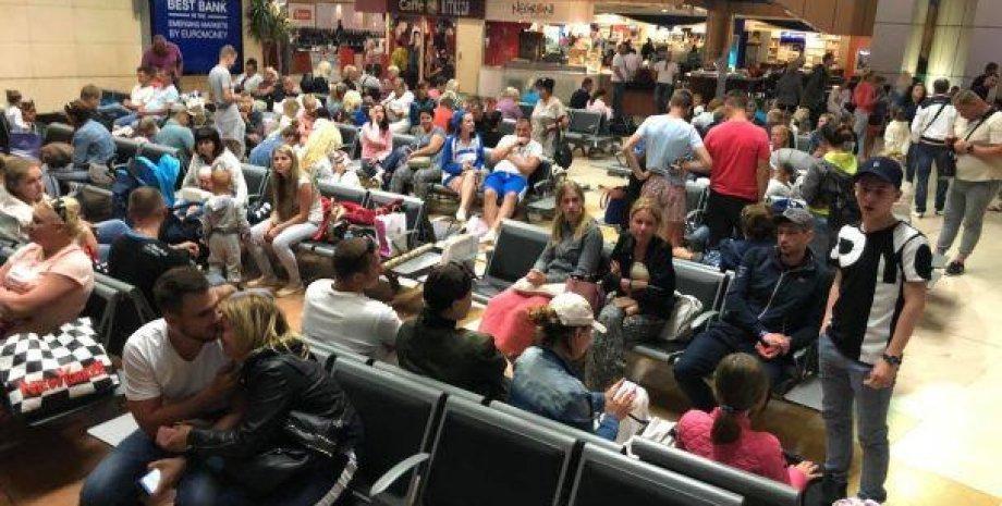 Туристы в аэропорту Шарм-эль-Шейха/Фото: Facebook/Варта 1