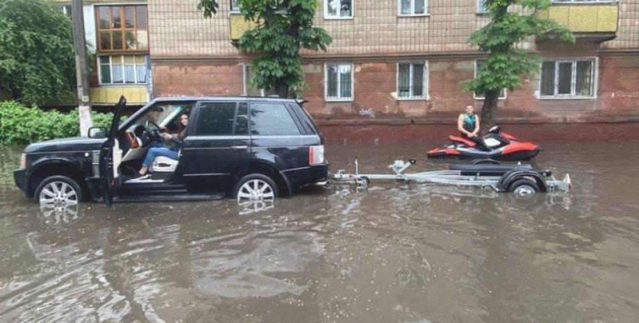 потоп на улице города