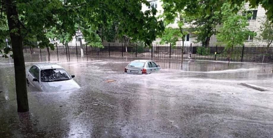 дождь, потоки воды, машины, киев, фото