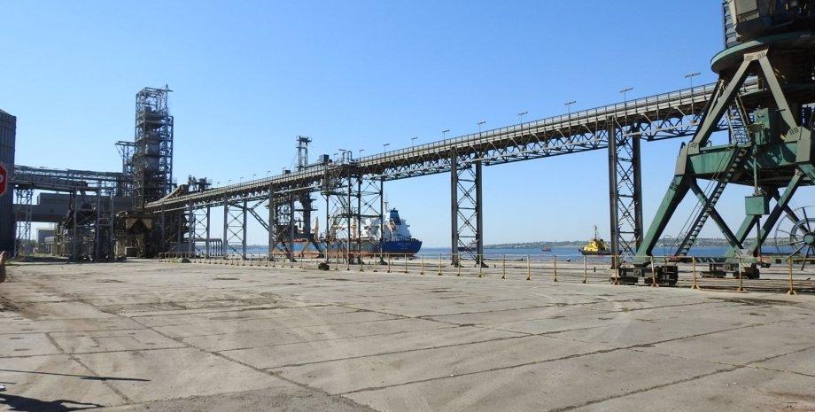 Фото: Николаевский порт