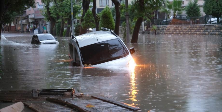 турция, наводнение, автомобили, фото