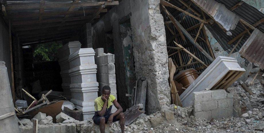 1941 человек погибли после землетрясения на Гаити