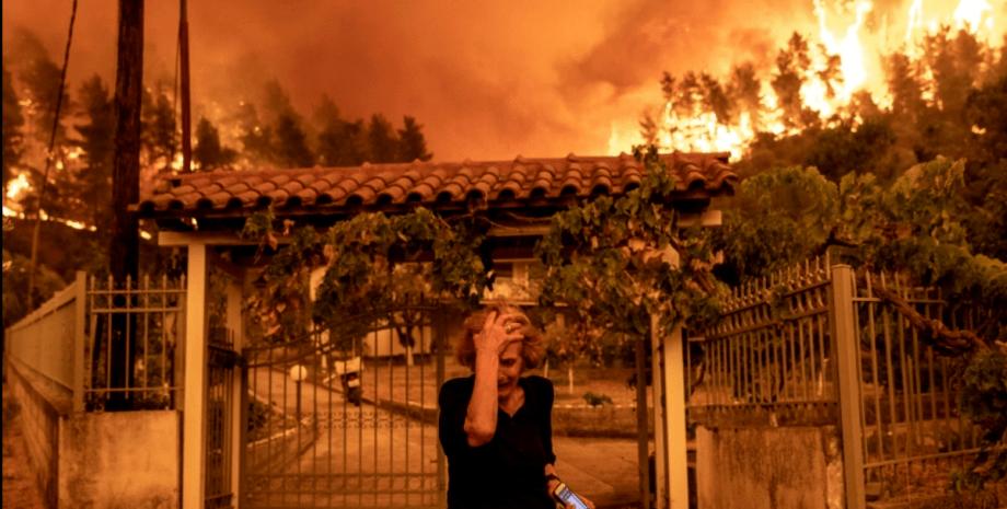 греция, пожар, женщина, фото