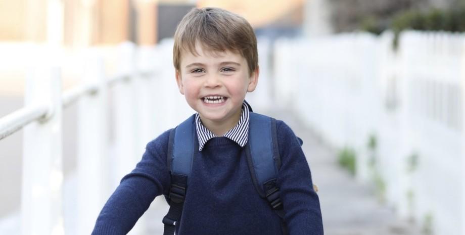 принц луи, младший сын, детский сад