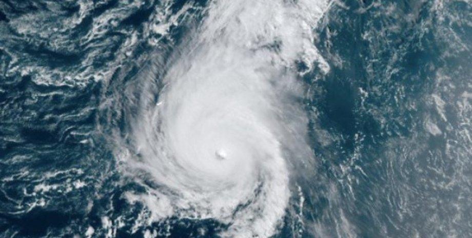 Ураган Сем, тропічний шторм, Атлантичний океан